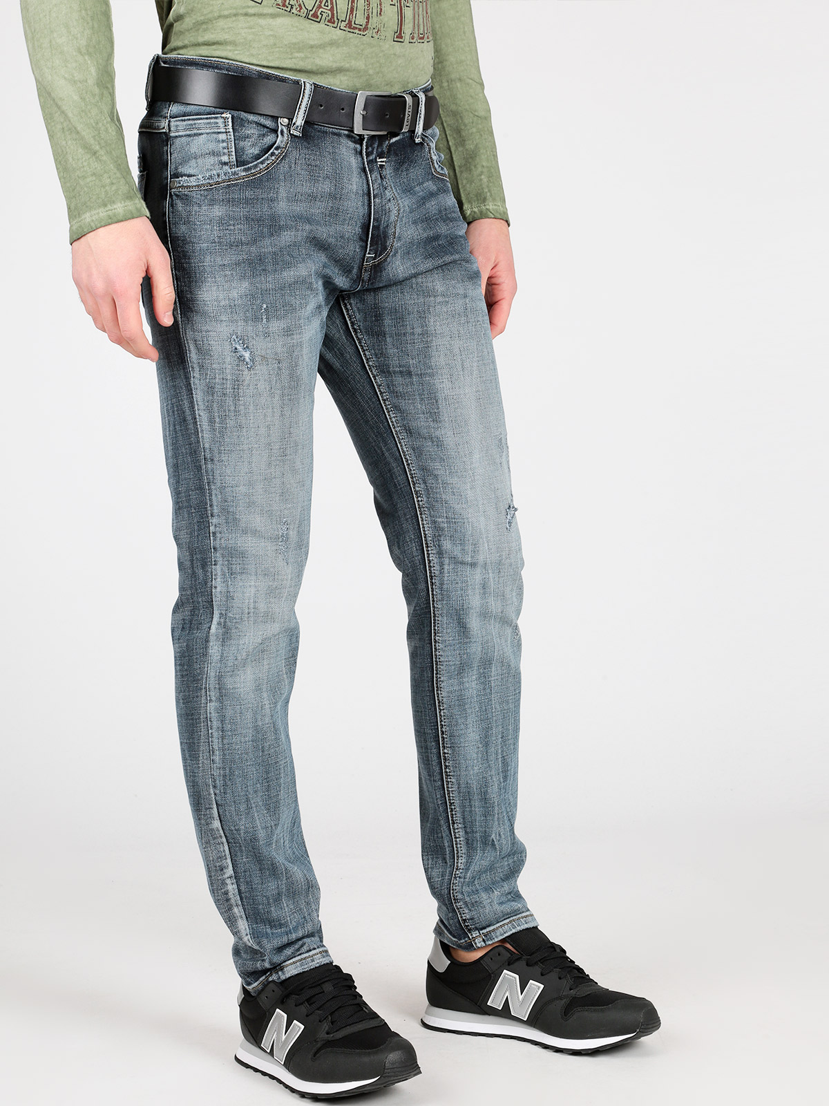 Jeans Straight Leg With Tear