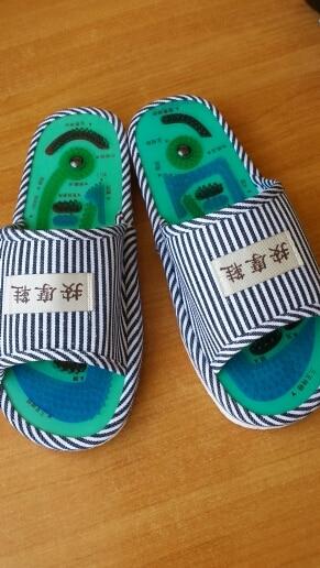 клетчатая ткань; синий ткань; ноги; застежка плоский кожаный;