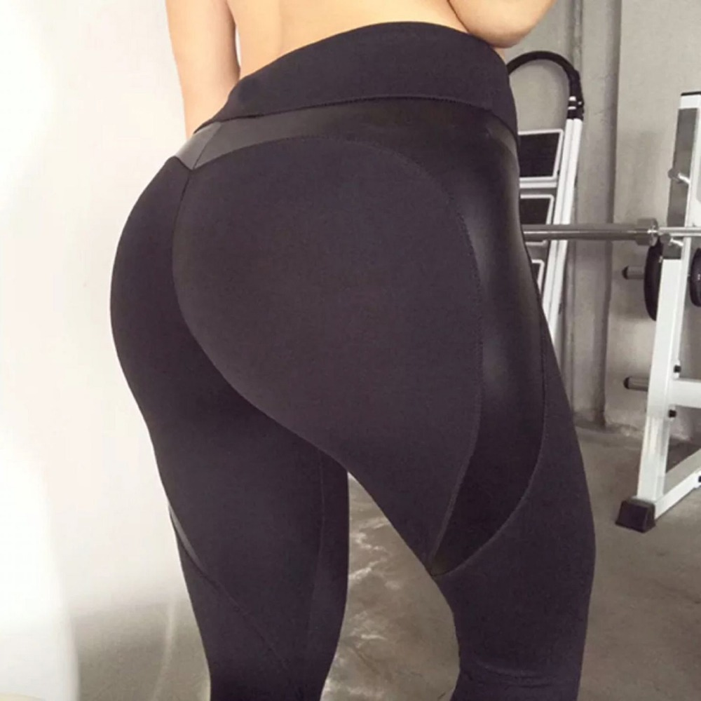 Yoga Pants Black Heart Shape Booty 4