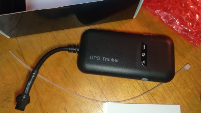 Гарантировано 100% 4 группа Автомобильный gps трекер GT02A Google ссылка в режиме реального времени отслеживать Бесплатная доставка