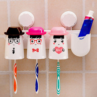 Eco-Friendly Happy Family Of Three Double Sucker Toothbrush Holder Wash Cup Toothbrush Holder Suit Bathroom Accessories