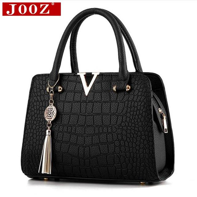 95d778458e Crocodile leather Women Bag V letters Designer Handbags Luxury quality Lady  Shoulder Crossbody Bags fringed women