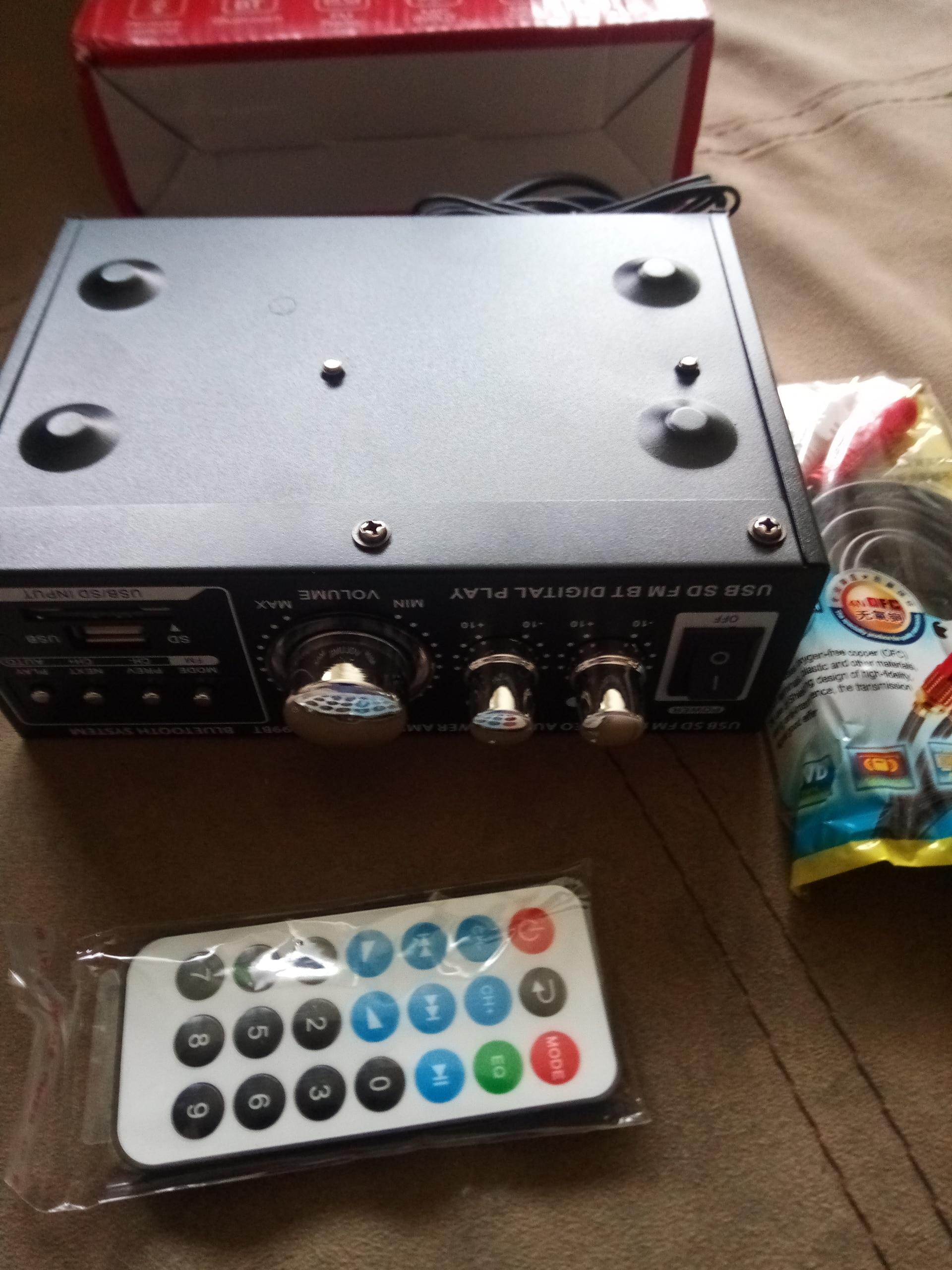 цифровой аудио усилитель; автомобильный радиоприемник; 12V мини-усилитель; музыкальный MP3-плеер;
