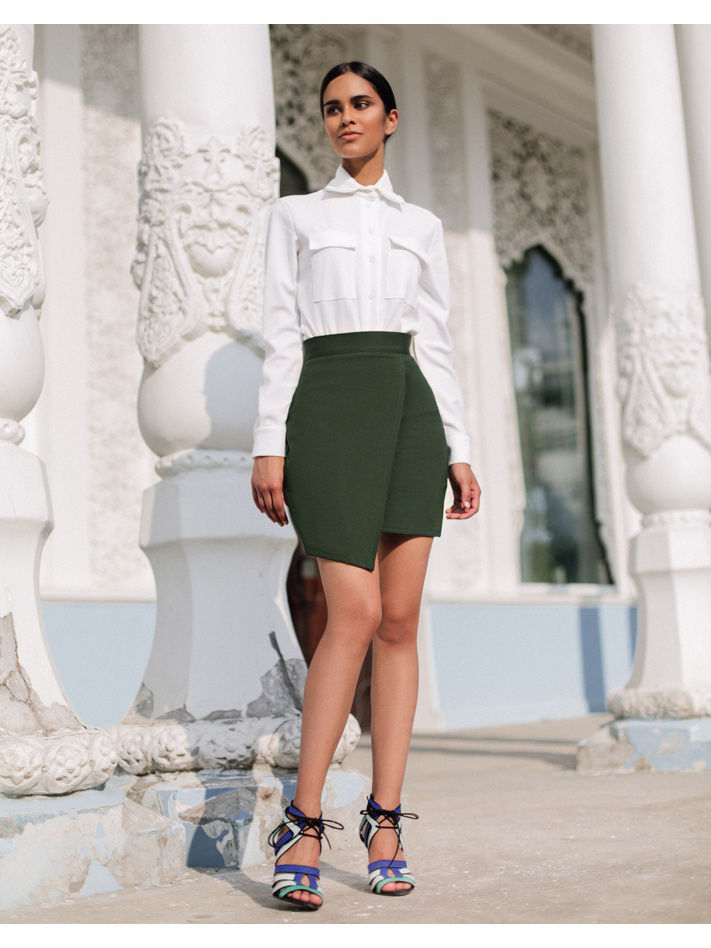 Skirt. Color green. stylish high waisted solid color bodycon skirt for women