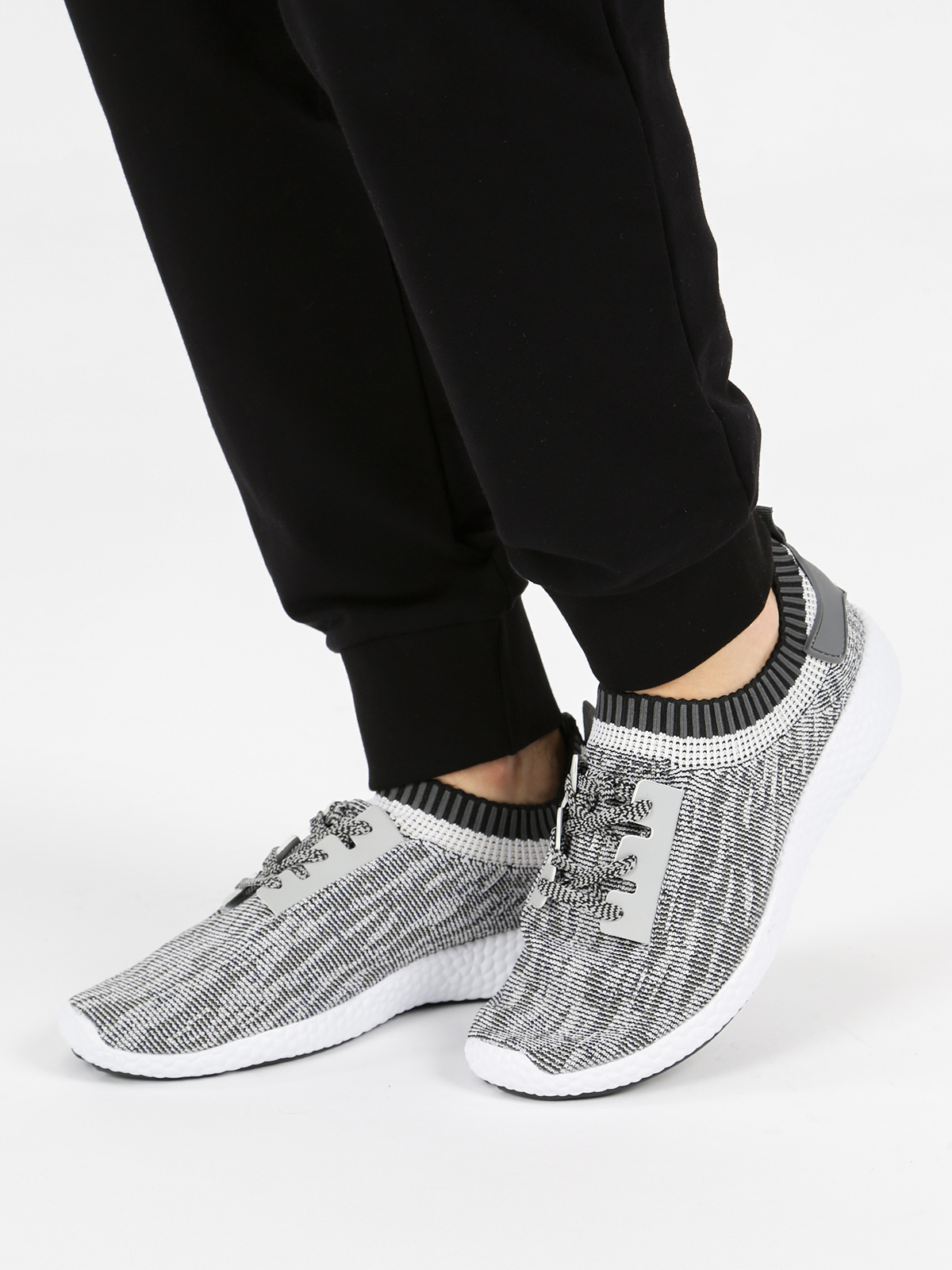 Man's Soft Cosy Soft Surface Shoelace Decoration Slip-ons Sports Running Shoes Casual Shoes