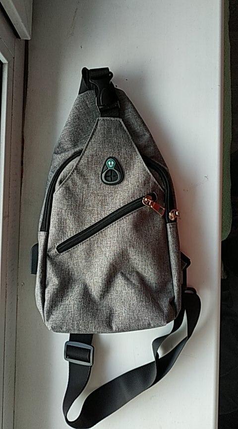 Fashion casual heren borstpak enkele schoudertassen USB opladen borstzak crossbody tassen mannelijke anti diefstal enkele riem terug tas photo review