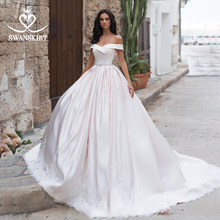 Vintage aplikler saten düğün elbisesi Swanskirt N106 kapalı omuz A Line Vestido De Noiva mahkemesi tren prenses gelin kıyafeti