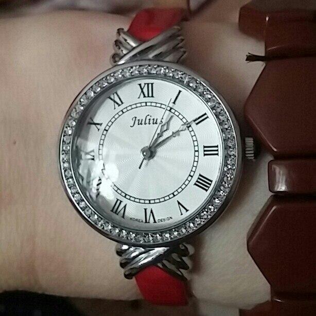 Женские наручные часы Julius