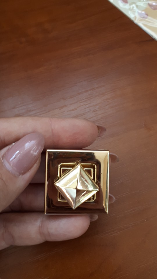 THINKTHENDO 1PC Square Shape Clasp Turn Lock Twist Locks DIY Messenger Handbag Bag Hardware photo review