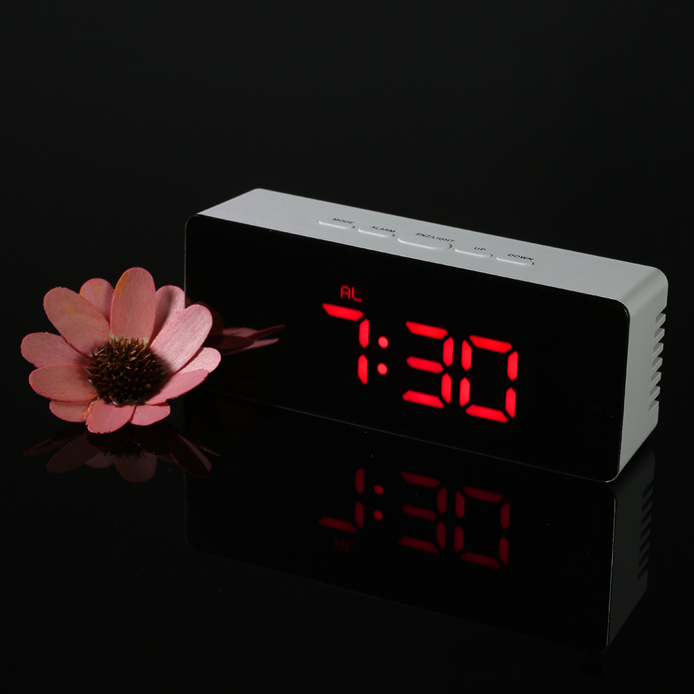 Friendly Creative Dynamic New 7 Colors Led Change Star Night Light Magic Projector Backlight Clock M14 Home & Garden Desk & Table Clocks