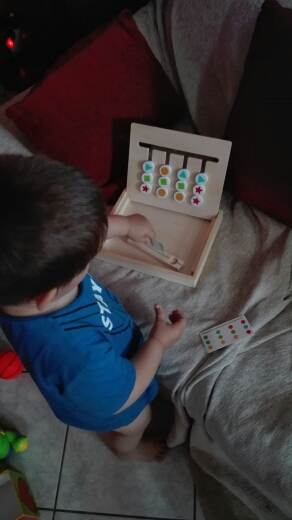 Brinquedos mat. Pensamento Brinquedos Brinquedos