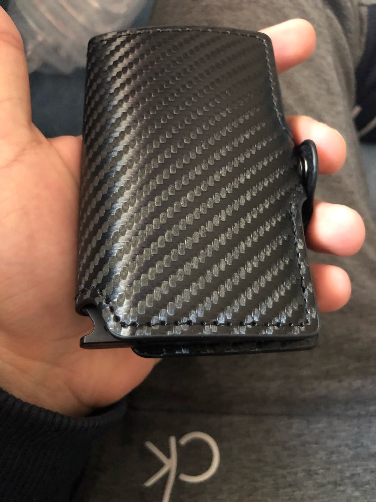 Casekey Luxury Carbon Fiber Mini Pop Up Rfid Wallet for Men Slim Leather Business ID Credit Card Pocket Holder Wallet photo review