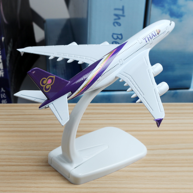 16cm Boeing A380 Thailand Airplane Model Alloy THAI Airlines A380 International Airbus Metal Aircraft Model Gift Travel Souvenir