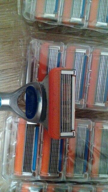 16 Pcs / Pack. Men Razor Blades High Quality Shaving Cassettes Facial Care Men Shaving Blades Compatible Gillettee Fusione