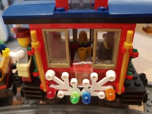 LEPIN 36001 Winter Holiday Train Block Set (770Pcs) photo review