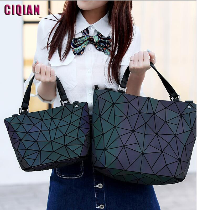2020 HOT Luminous Bag Women Geometry Tote Quilted Shoulder Bags Hologram Laser Plain Folding Handbags Geometric Large Capacity