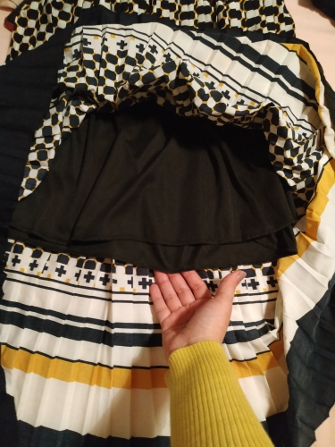 Spring Fashion New Black White Dot Contrast Color Pleated Elastic High Waist Skirt All Match Female'S Bottoms Yf129 photo review