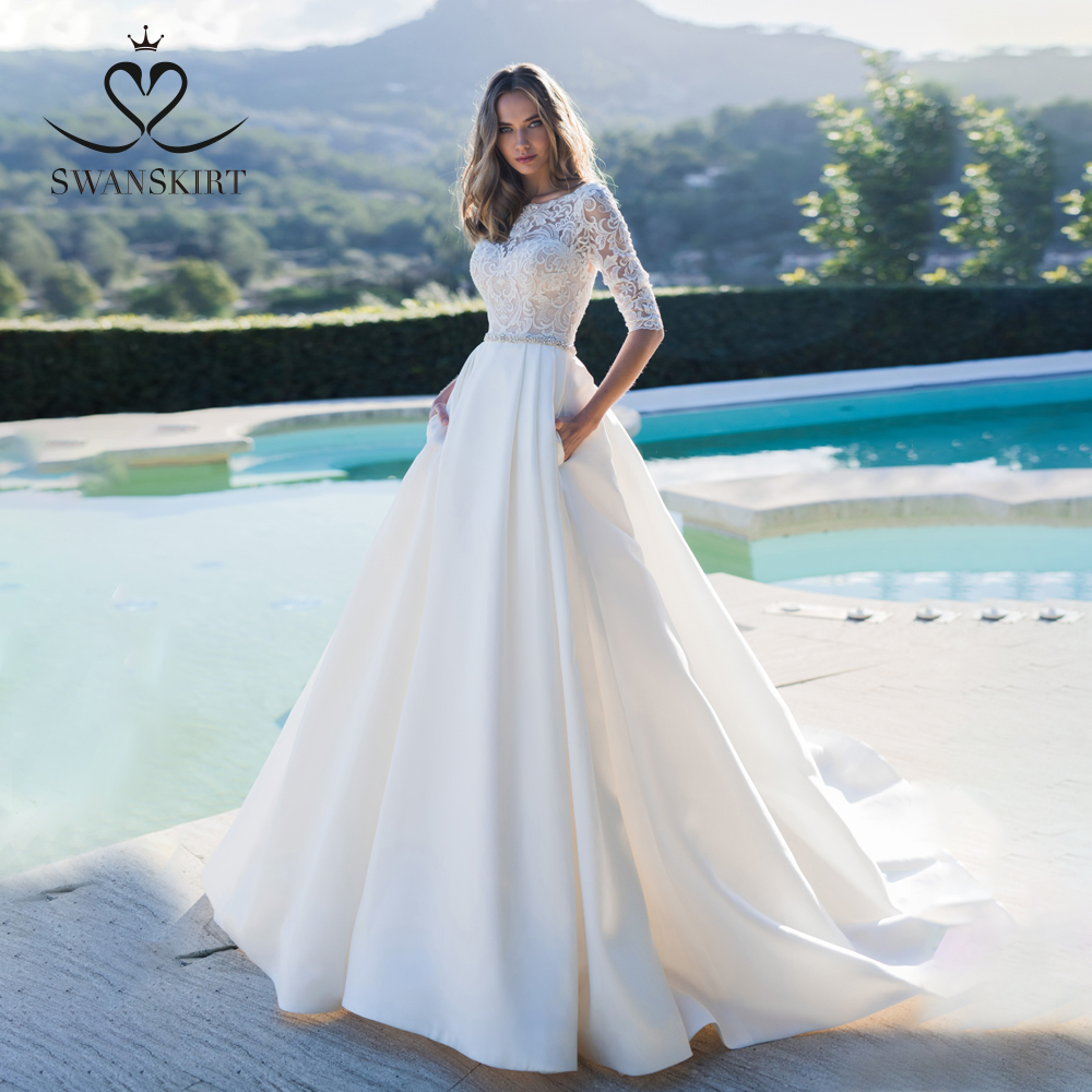 Swanskirt Fashion Satin Wedding Dress 2019 Luxury Crystal Belt Court Train A-Line Princess Bridal Gowns Vestido De Novia K160