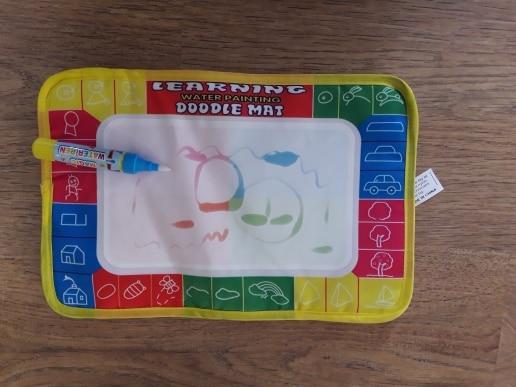 1 Pcs 29X19cm 4 color Mini Water Drawing rug &1 Magic Pen for kids 1366-1