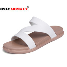 ONLYMONKEY 2018 Summer Cool Women Slippers Slip on Breathable Flat Slippers Women Big Size Couple Slippers Easy To Dry