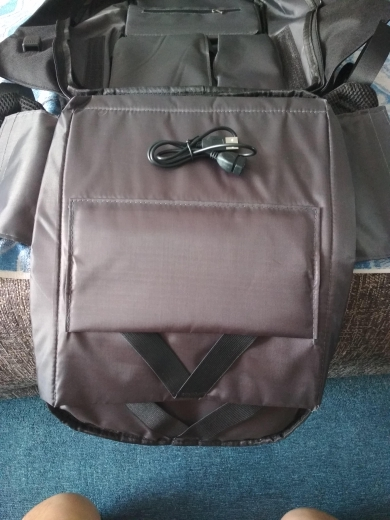 2THEPOCKET™ Intelligent Anti-Theft Backpack with USB Port photo review
