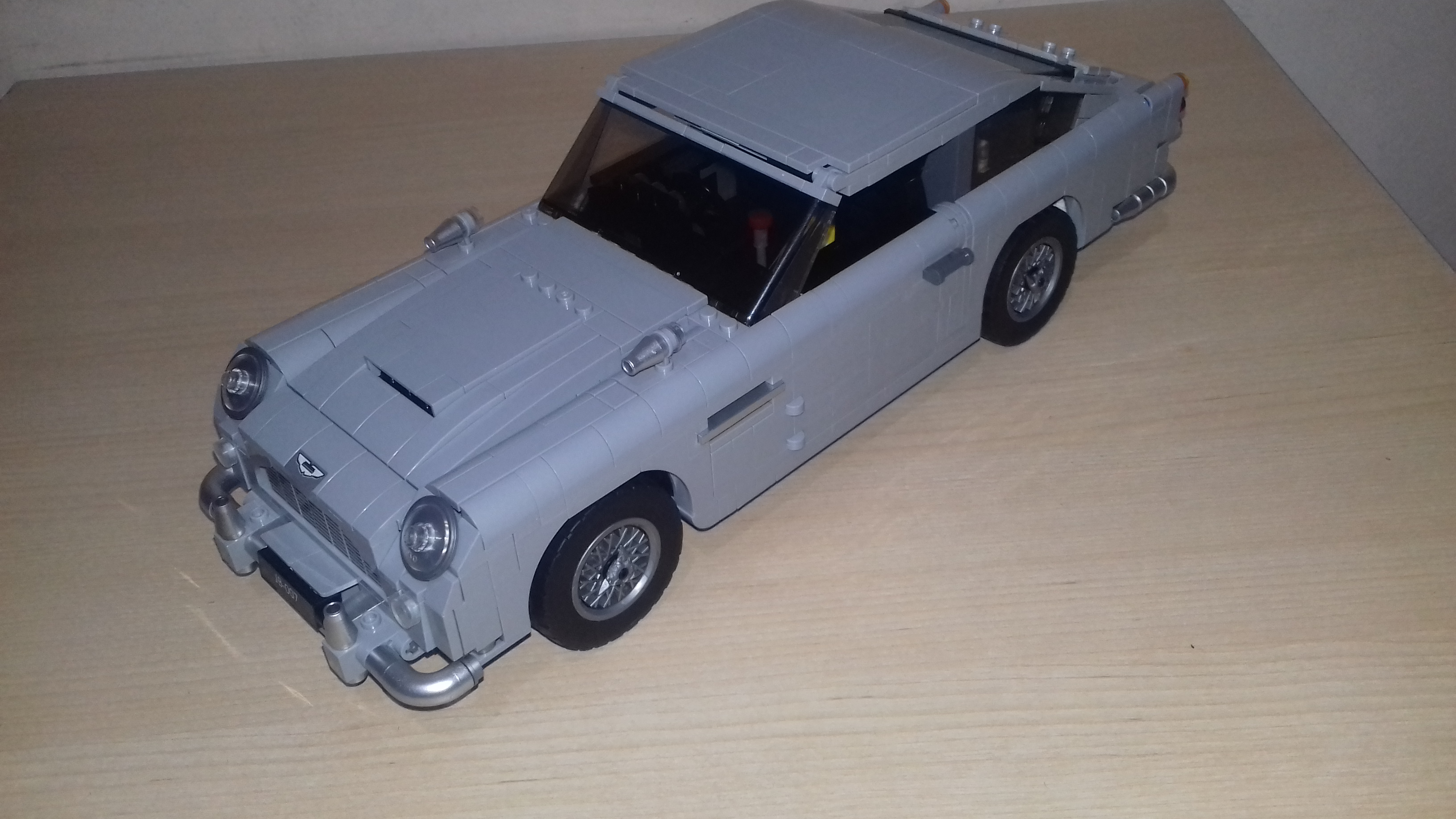 LEPIN 21046 Aston Martin DB5 Block Set (1450Pcs) photo review