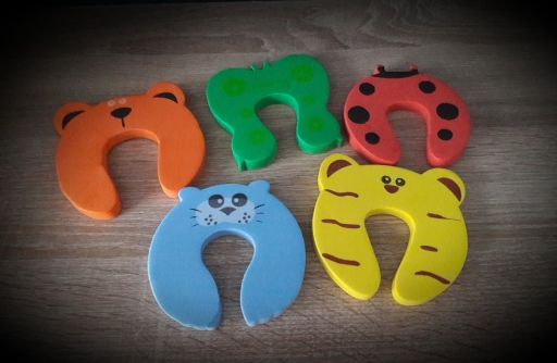 5Pcs/Lot Protection Baby Safety Cute Animal Security Door Stopper Baby Card Lock Newborn Care Child Finger Protector