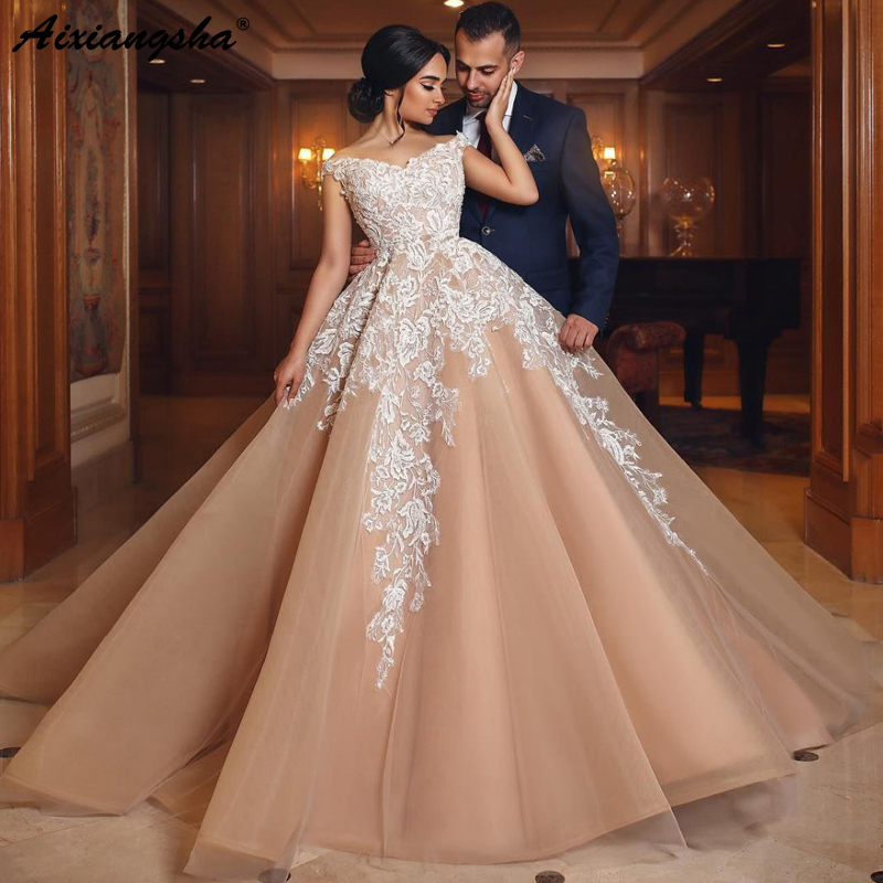 Champagne Muslim   Evening     Dresses   2019 Ball Gown V-Neck Lace Tulle Islamic Dubai Saudi Arabic Long Elegant   Evening   Gown