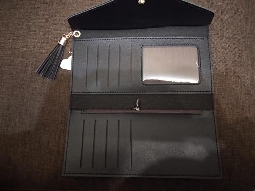 Сач; коричневый клатч; держатель кредитной карты ;