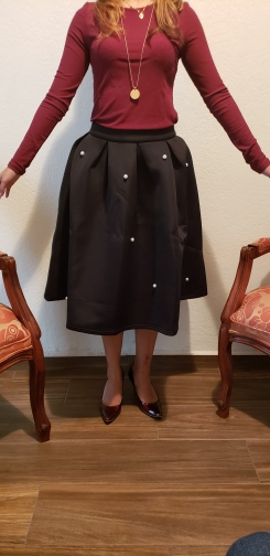 Black Vintage Pearl Embellished Boxed Pleated Circle Knee Length Mid Waist Skirt Women Autumn Elegant Workwear Skirt photo review
