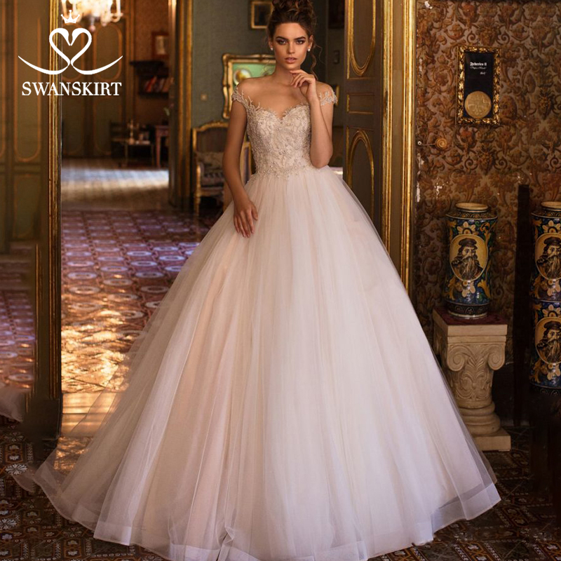 Beaded Tulle Wedding Dress 2019 Swanskirt SweetheartAppliques Ball Gown Chapel Train Illusion Bride Gown Vestido De Noiva LZ12