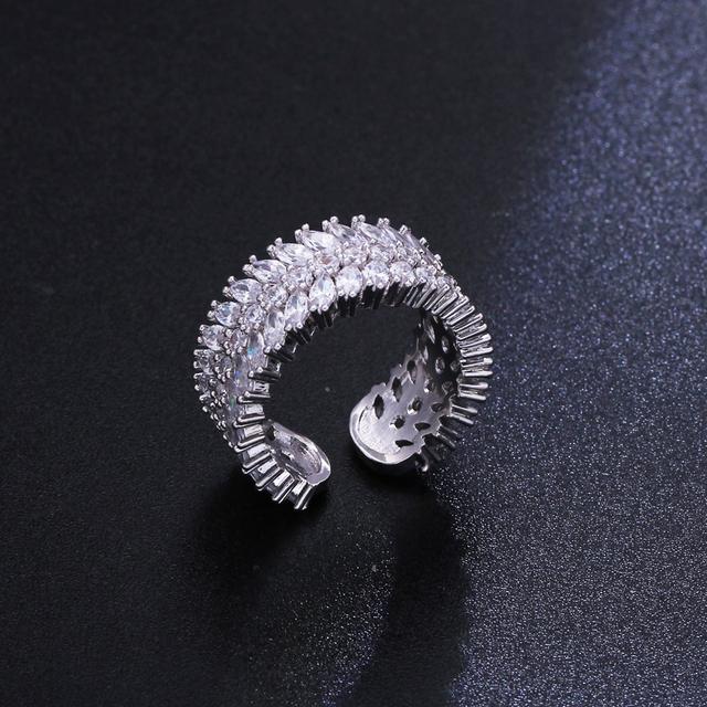 Luxury Drop Shape White  Pendant Necklace Earrings Set