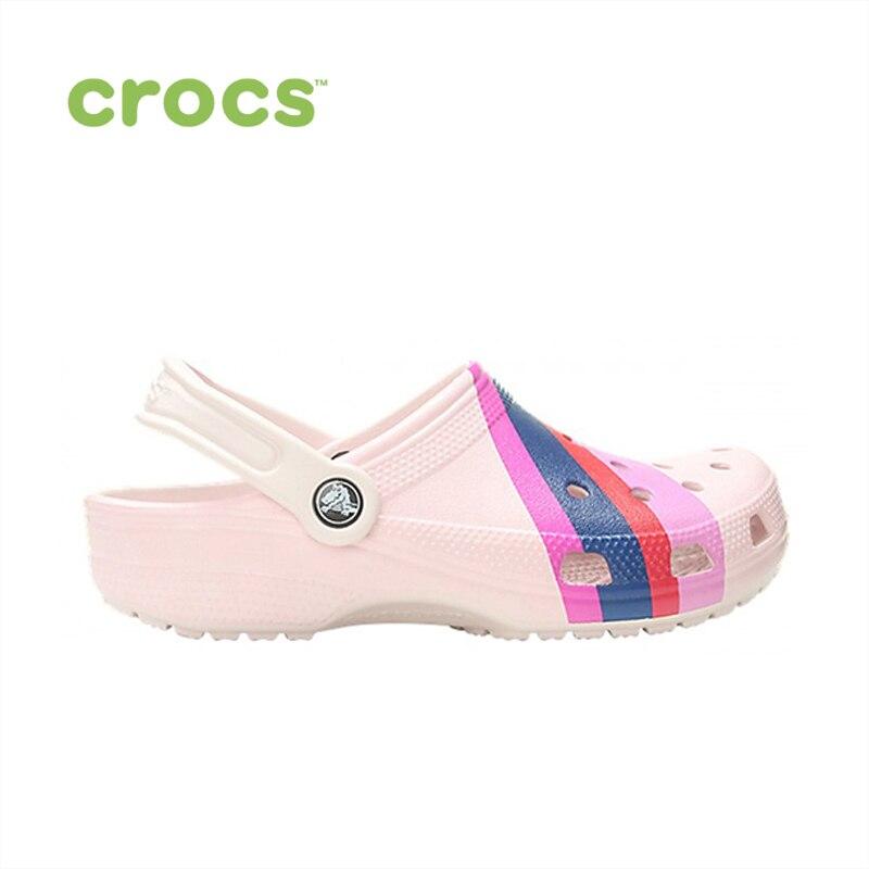Фото - CROCS Classic Seasonal Graphic Clog UNISEX for male, for female, man, woman TmallFS shoes сабо для девочки crocs classic seasonal graphic clog k цвет светло розовый 205620 6pi размер c9 26