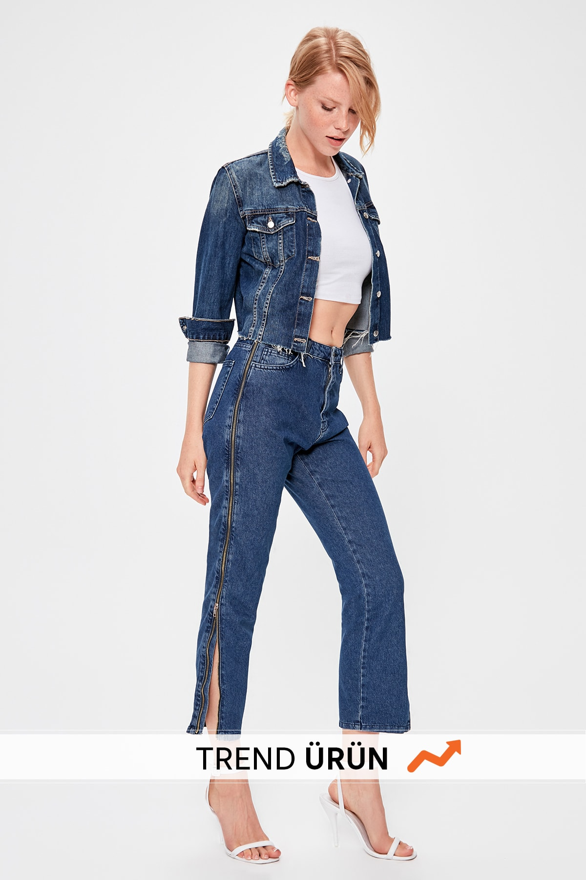 Trendyol Blue Zipper Detailed High Bel Mom Jeans TWOAW20JE0146
