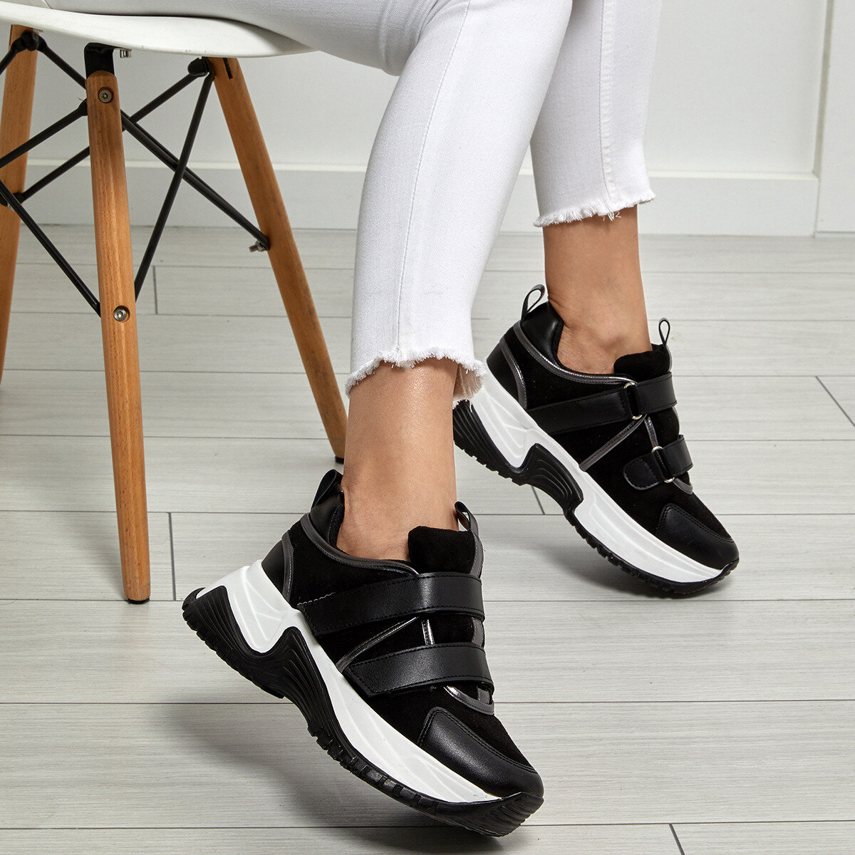 FLO Black Women Sneaker Shoes Women Platform Sneakers Lace-up Casual Shoes Designer Old Dad Female Fashion Sneakers BUTIGO 19SF-2057