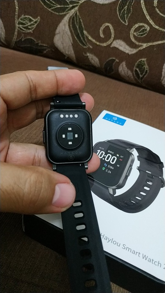 Smart Watch, IP68 Waterproof ,12 Sport Modes,Call Reminder, Bluetooth 5.0 Smart Band photo review