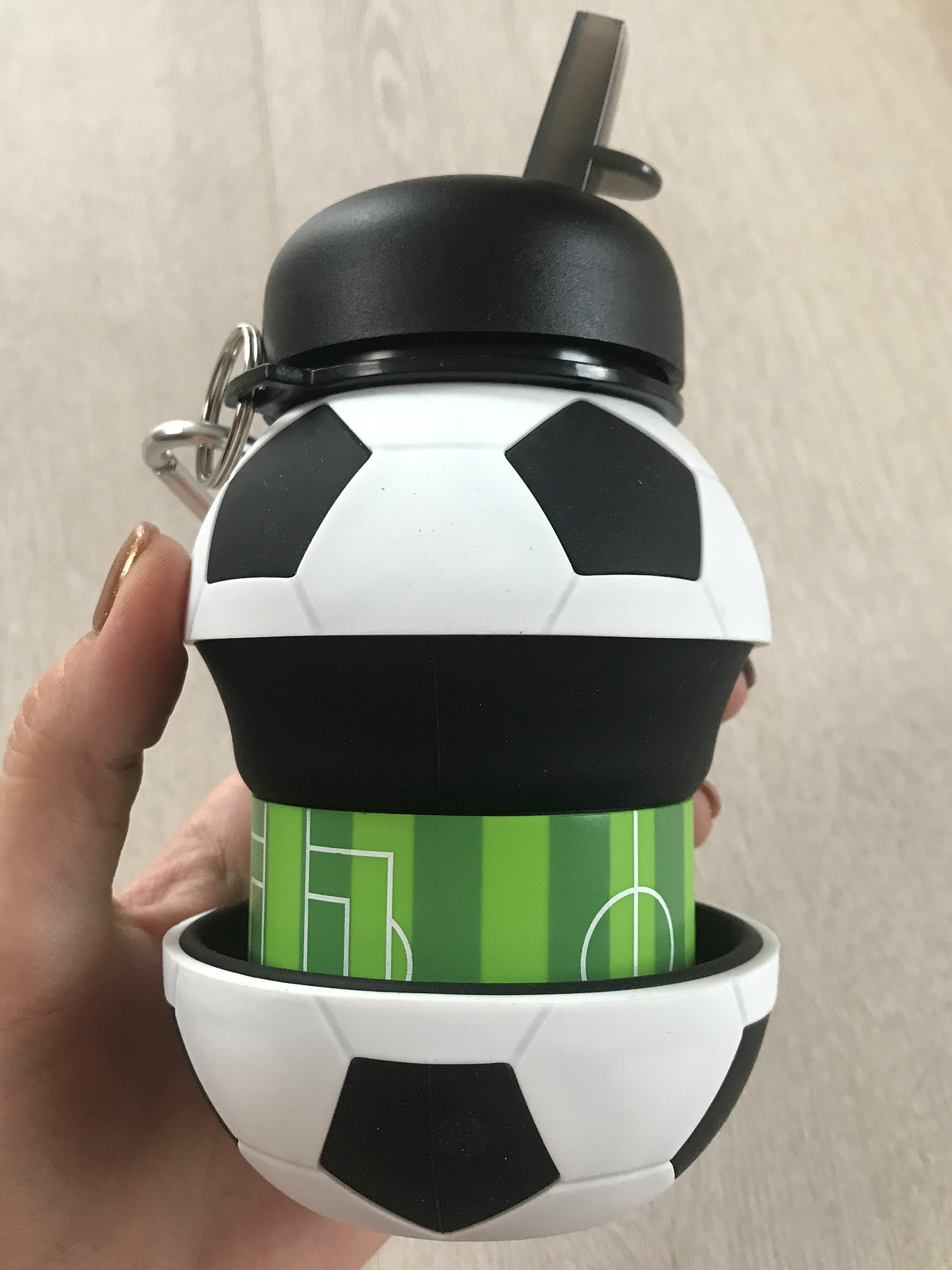 Novelty Football Sports Water Bottle with Straw Foldable Collapsible Travel Silicone My Bottles Innovating Camping 550ml  H1224|Water Bottles| |  - AliExpress