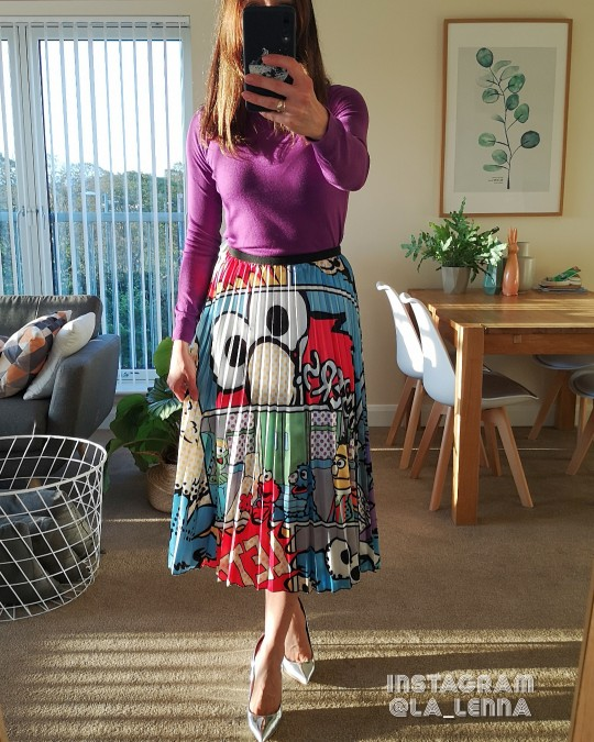 Spring New Coming Europen Cartoon Pattern High Elasticity Pleated Skirt High Street Style A Line Mid Calf Christmas photo review