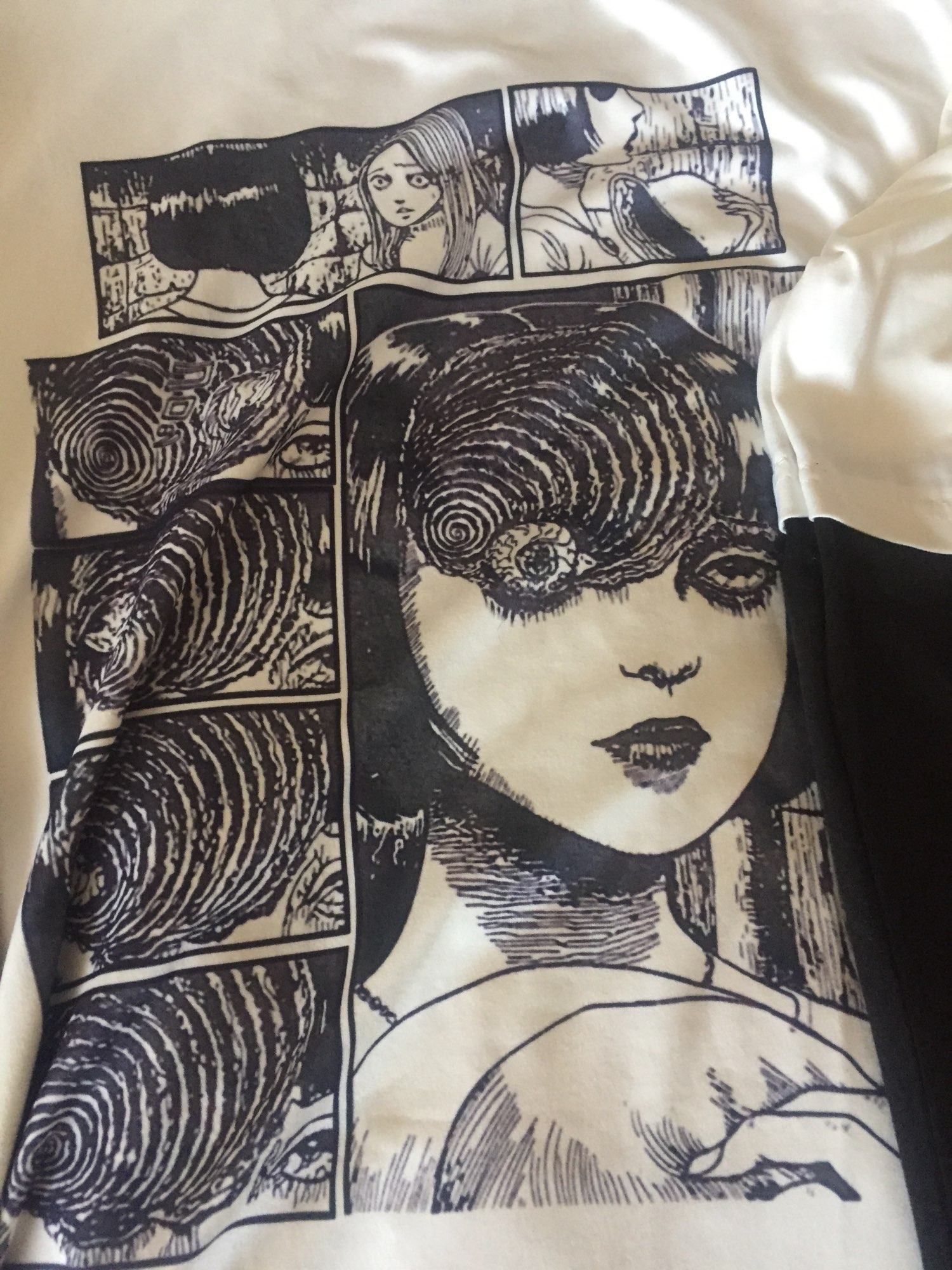 T-shirt with Japanese Horror Print photo review