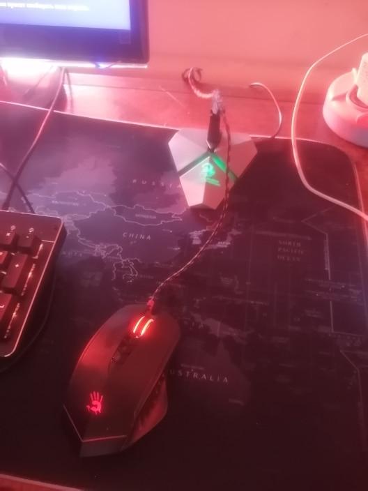 Отзыв о товаре Держатель кабеля игровой концентратор встроенный 7 меняющихся цветов LED мышь с подсветкой банджи USB кабели ментальные 3-портовые планшеты сети от пользователя M***o