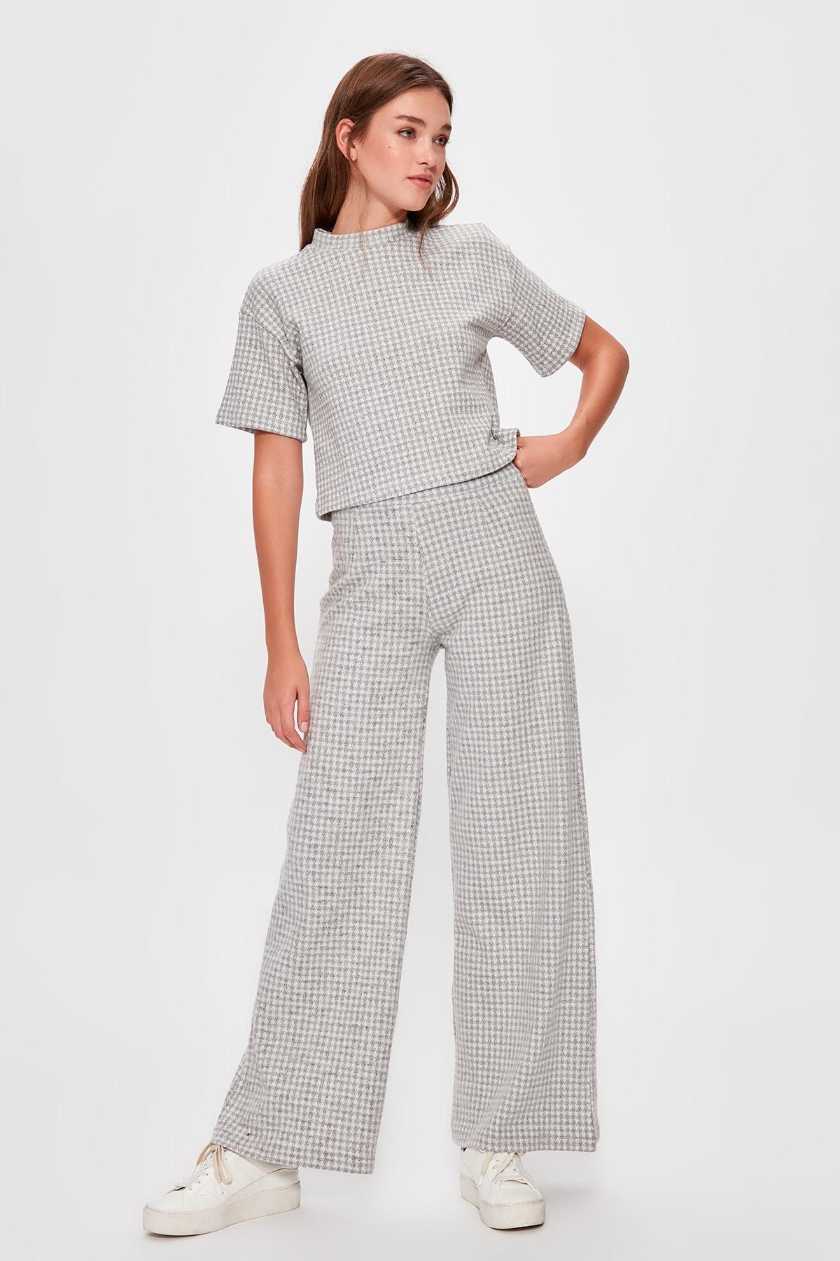 Trendyol Gray Textured Knit Pants TWOAW20PL0242