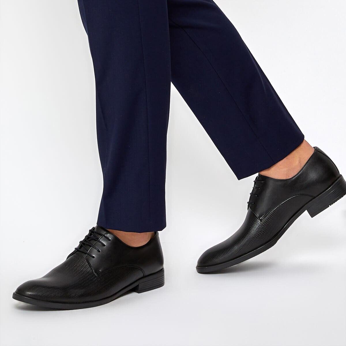Flo 113-2 黒人男性の古典的な靴ダウン町