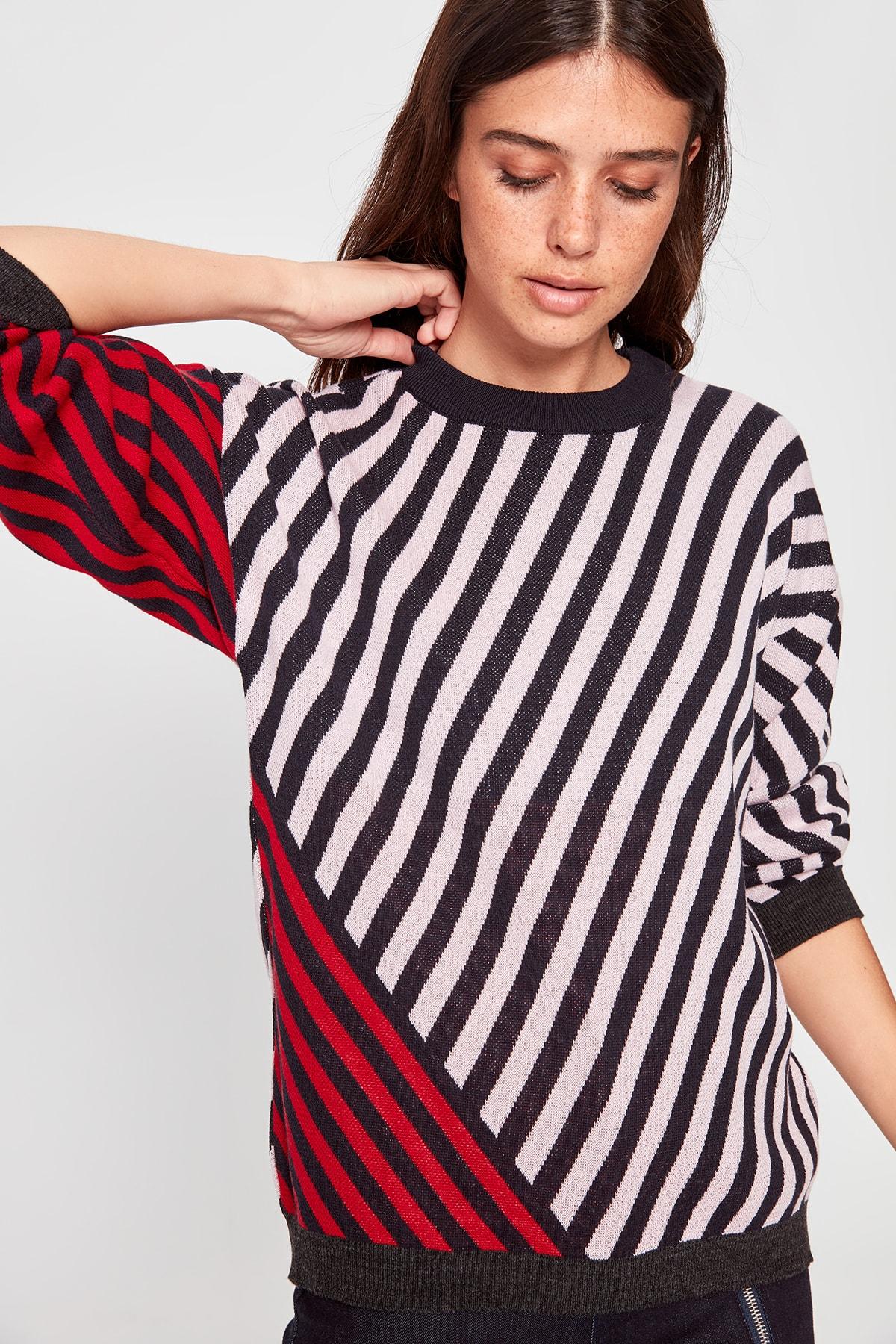 Trendyol With Color Block Stripe Sweater Sweater TWOAW20KZ0589