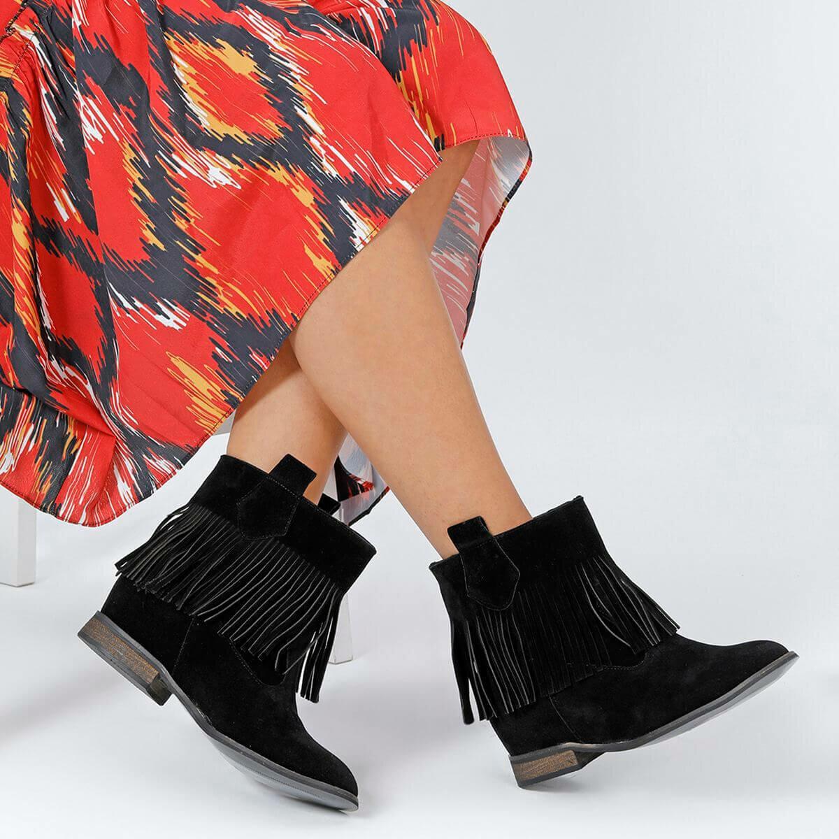 حذاء بوت نسائي أسود FLO CASPER 85Z من BUTIGO