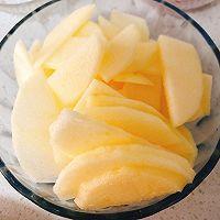 冬天最棒的止咳药—枸杞苹果甜水的做法图解2