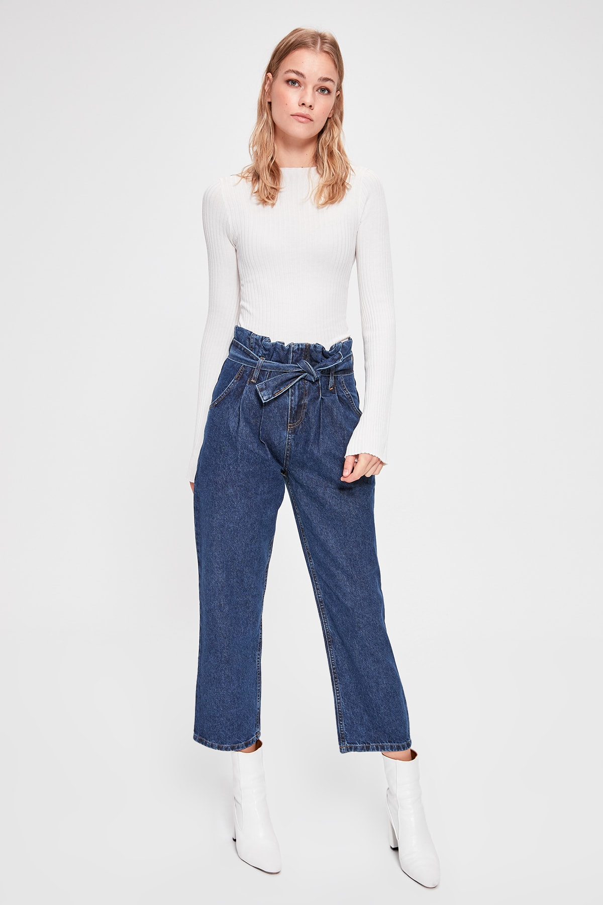 Trendyol Pleated High Waist Straight Jeans TWOAW20JE0248