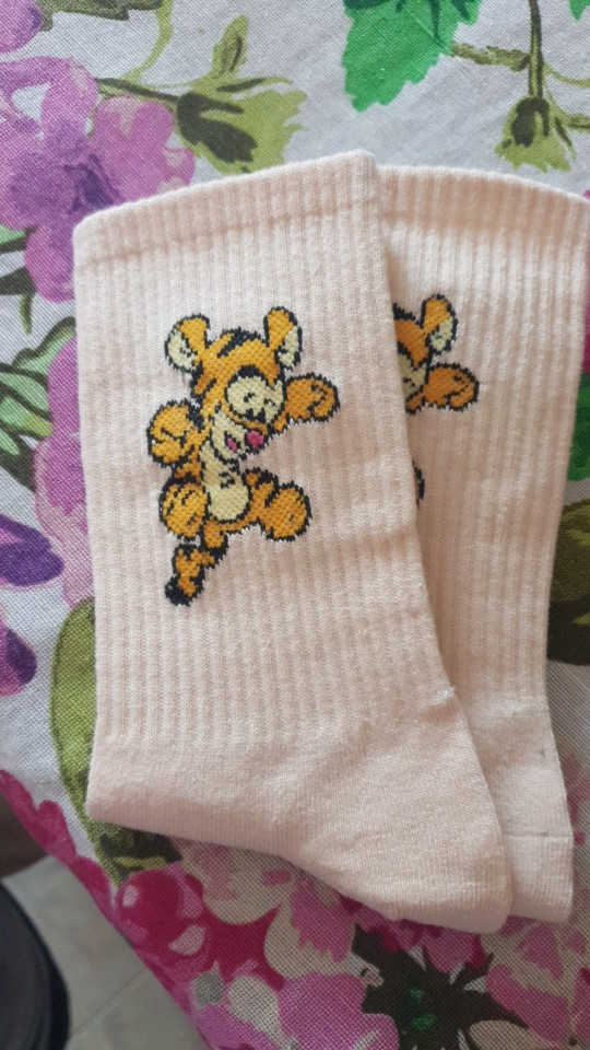 Disney Girl cartoon sweet and cute solid color Mickey Minnie Dais Donald Duck cotton sweat-absorbent tube socks sports socks photo review