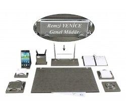 Ensemble de tapis de bureau en cuir gris de luxe MELEN avec plaque signalétique en cristal
