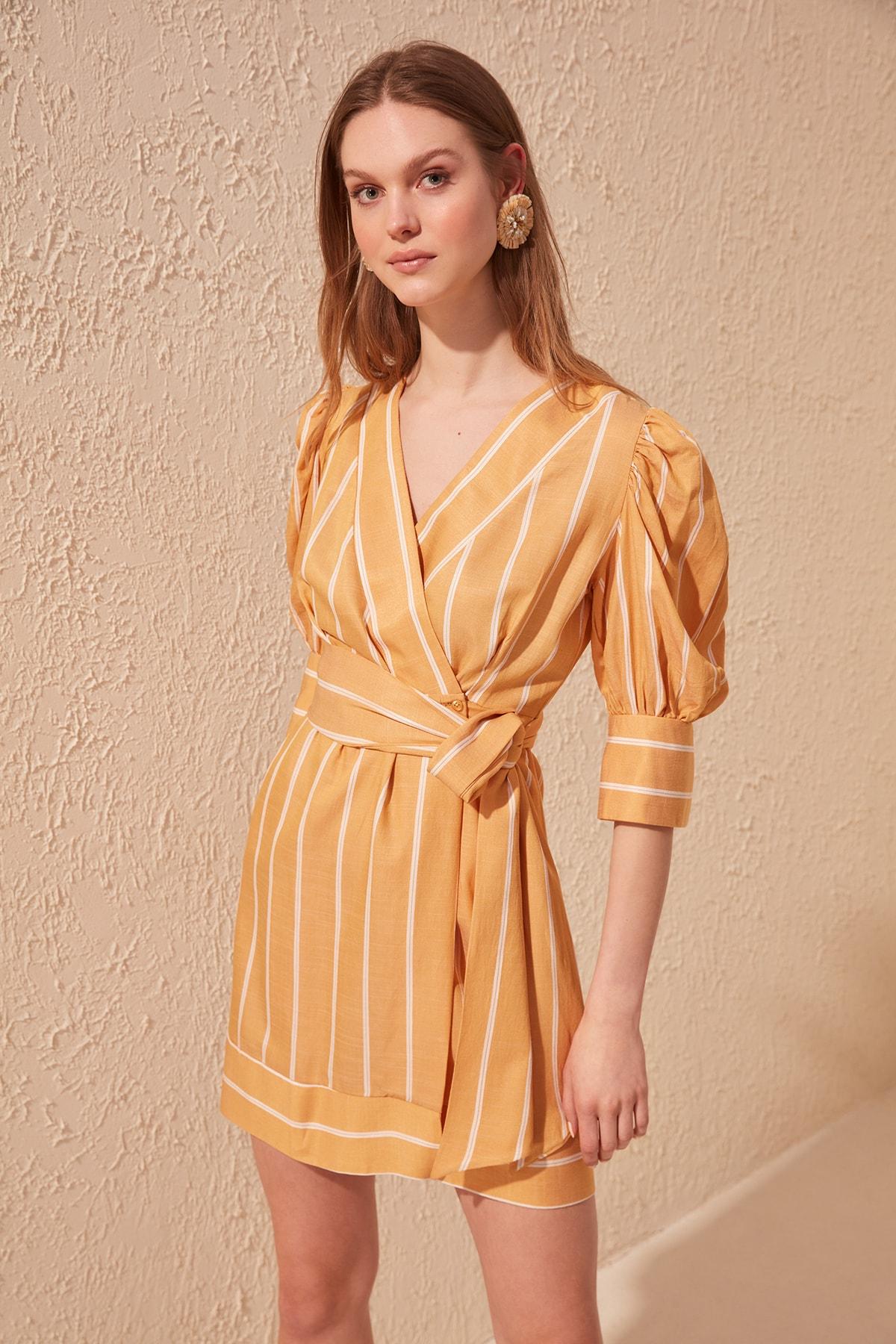 Trendyol Belted Striped Dress TWOSS20EL0621