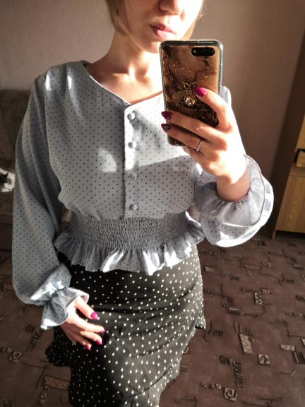 Vintage V Neck Flare Sleeve Polka Dot Women Blouse Shirts Elegant Front Buttons Slim Waist Ruffles Female Blouse Blusas 2019 photo review